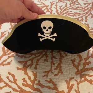 Adorable pirate hat for Halloween or dress up.